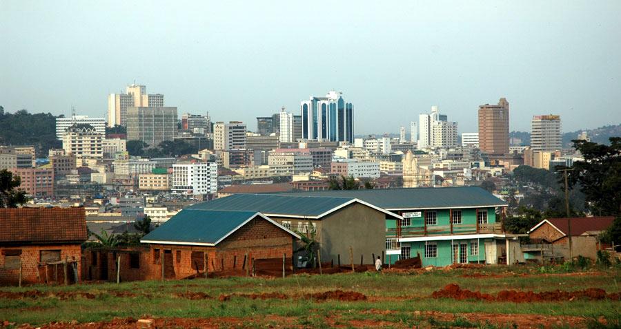 English: Skyline of Kampala, Uganda Deutsch: B...