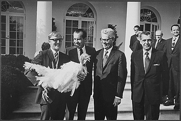 File:Richard Nixon, turkey pardon.jpg