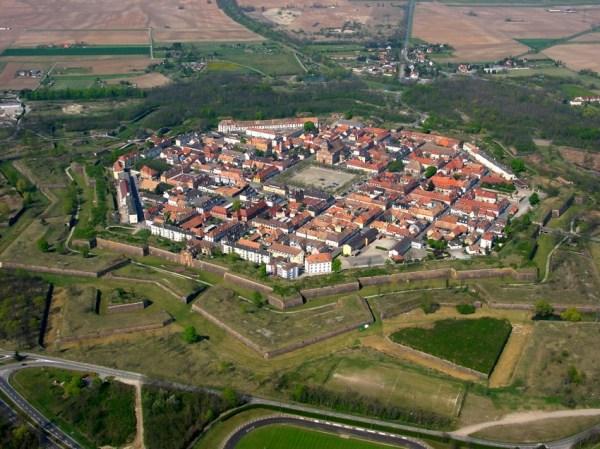 Neuf-Brisach — Wikipédia