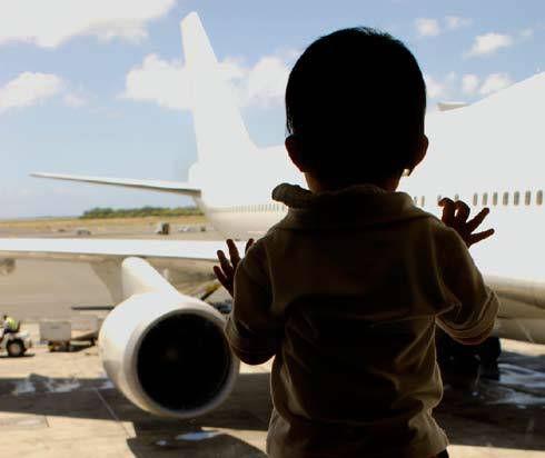 File:2007 report child plane.jpg