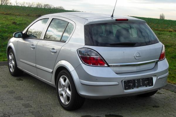 File:Opel Astra H (Facelift, 2007–2009) rear MJ.JPG ...
