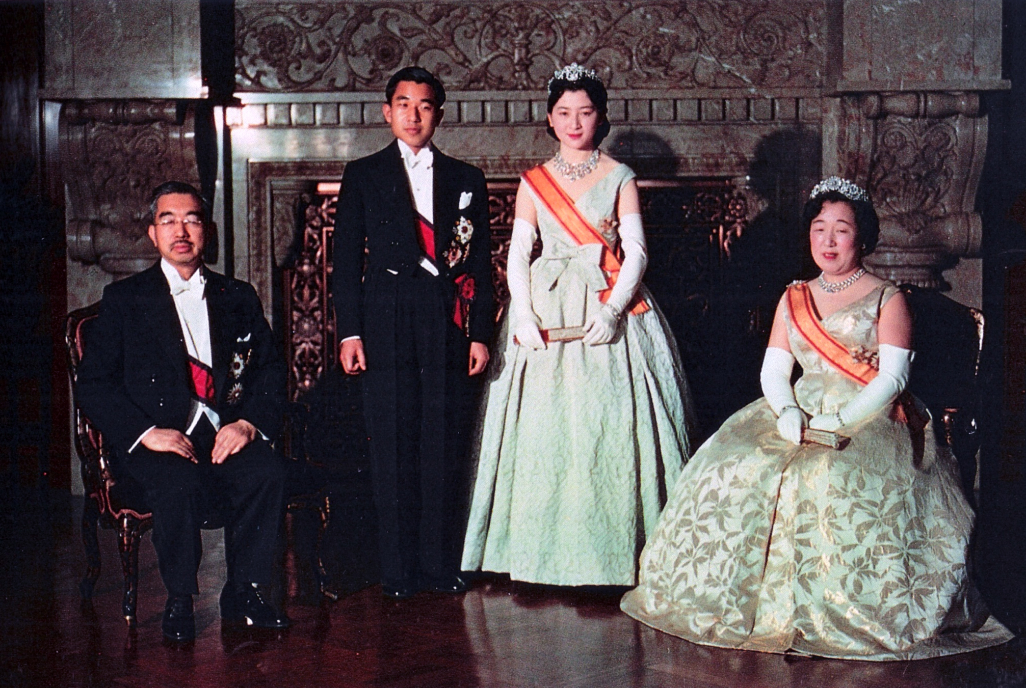 Emperor Shōwa and future Emperor Heisei on 10 April 1959