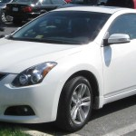File 2010 Nissan Altima Coupe 04 12 2010 Jpg Wikimedia Commons