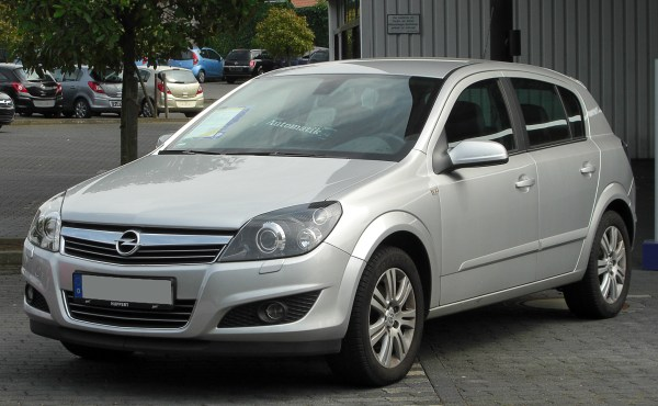 File:Opel Astra H 1.8 Innovation Facelift front 20100822 ...