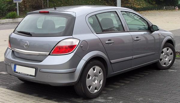 File:Opel Astra H rear 20091011.jpg - Wikimedia Commons