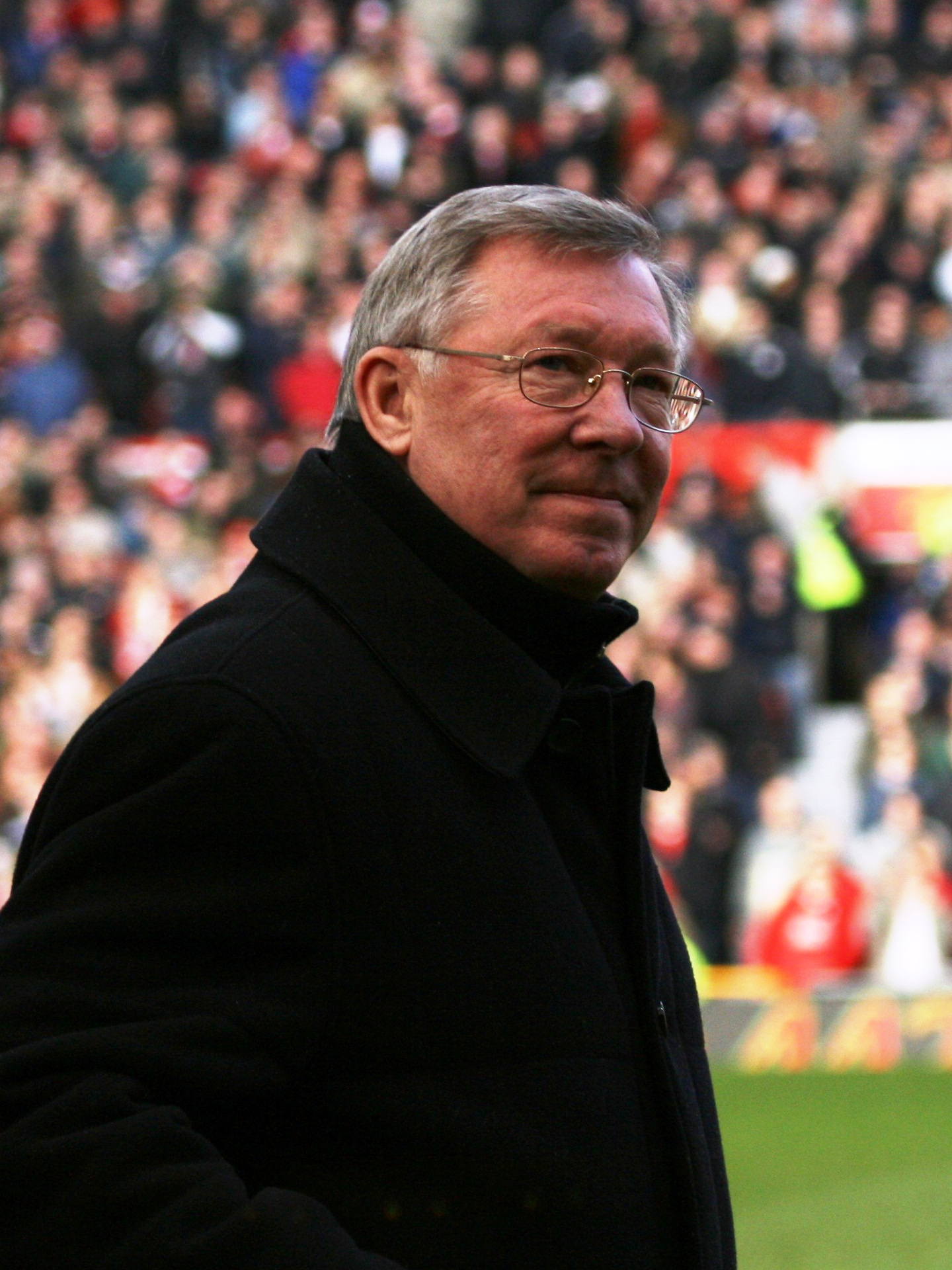 Sir Alex has been on the war path lately. He has not been holding his tongue about his true feelings towards referees lately. And maybe the FA should step in, for once. (Courtesy Wikicommons)