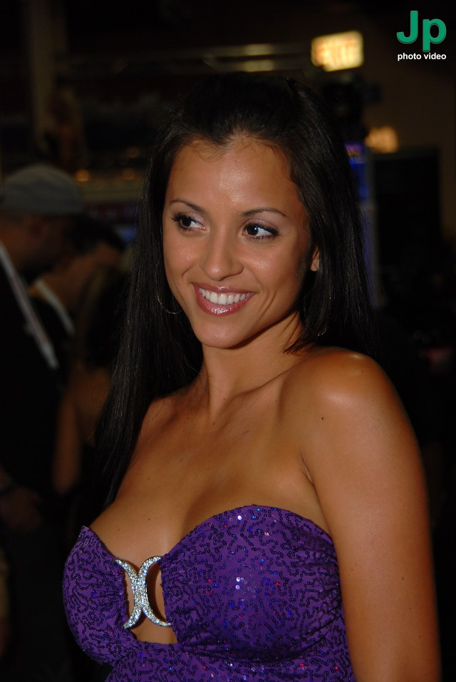 Filejanessa Brazil At Exxxotica New Jersey 2010 8 Jpg