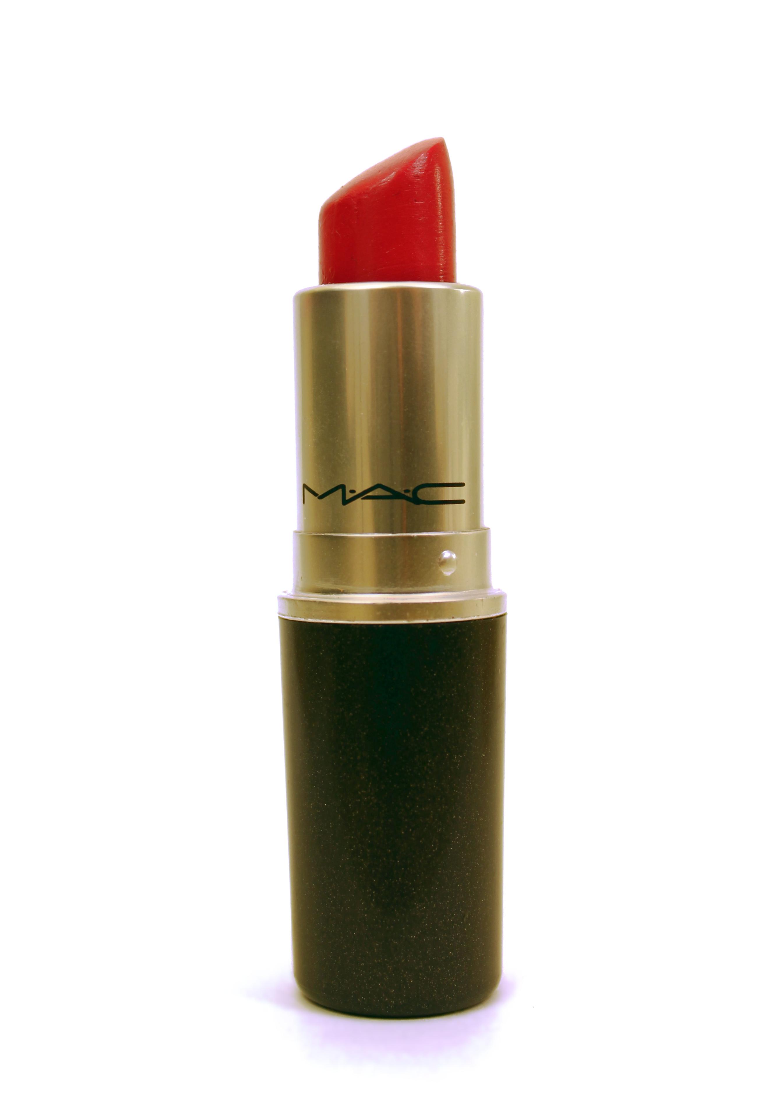 Contoh Lipstick