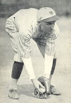 English: 1921 Exhibits Baseball Card of Dave B...