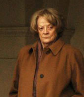 English: Dame Maggie Smith in Kensington Garde...