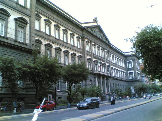 جامعة نابولي فيدريكو الثاني ويكيبيديا