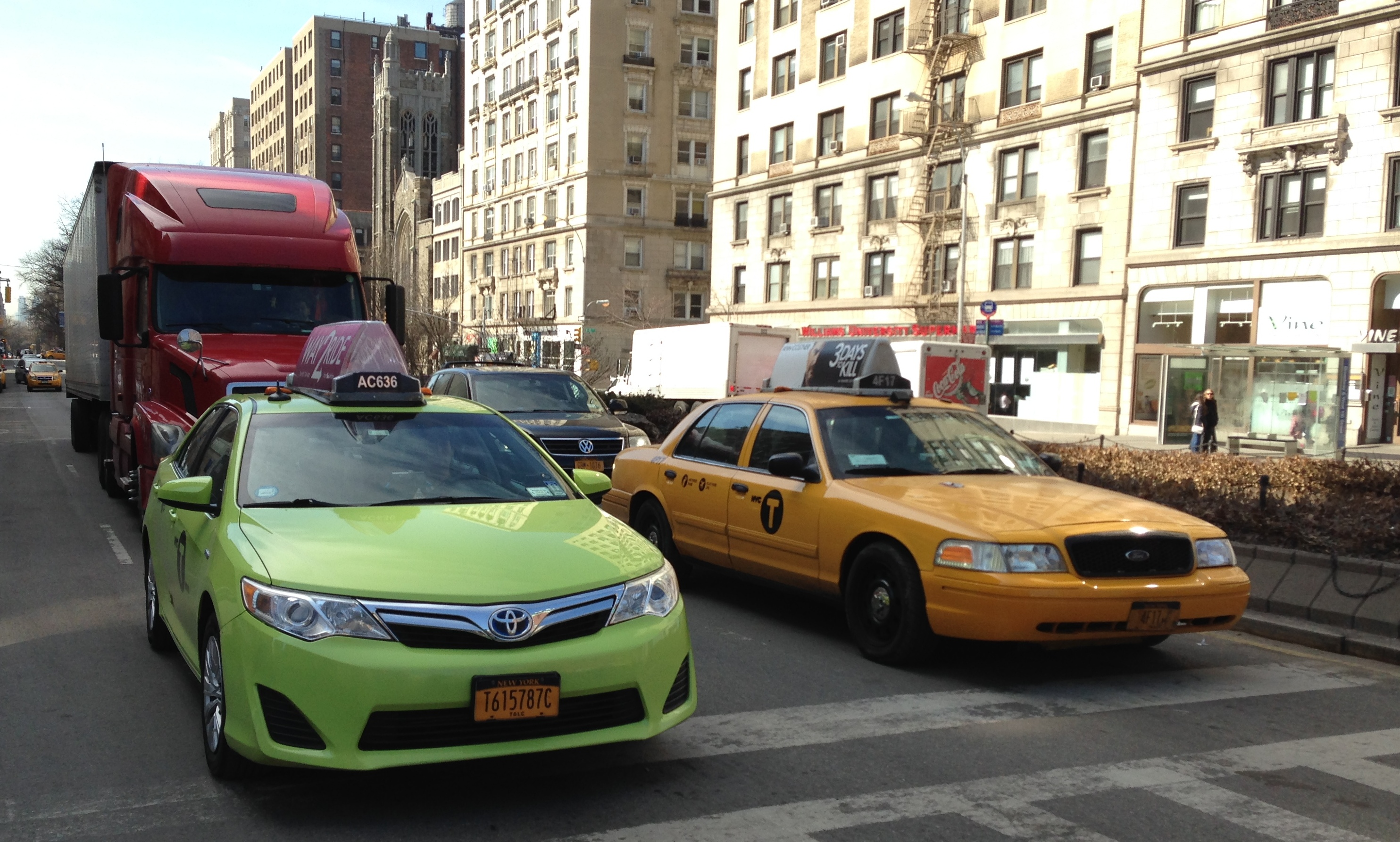 How to travel from JFK airport to New York City
