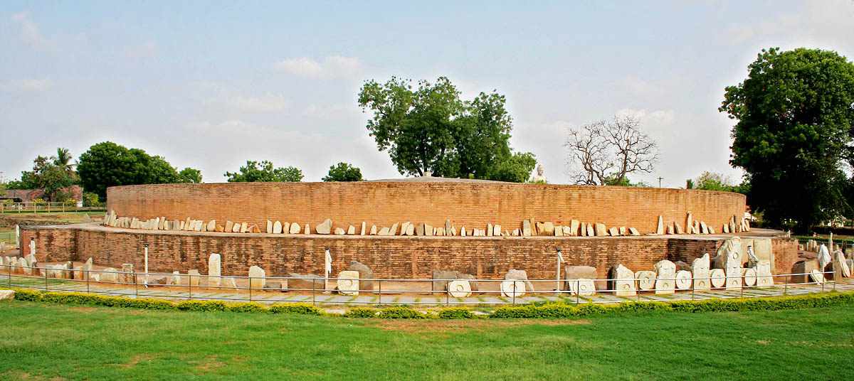 https://i1.wp.com/upload.wikimedia.org/wikipedia/commons/1/1a/Amaravati_Stupa_in_AP_W_IMG_8075.jpg