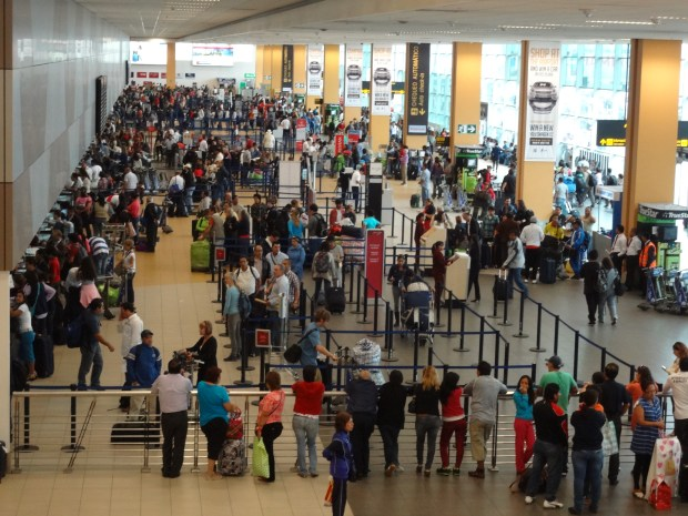 Come muoversi in Perù: l'aereo