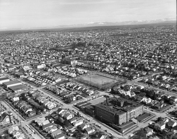 File:Aerial of Wallingford, Seattle circa 1969.jpg ...