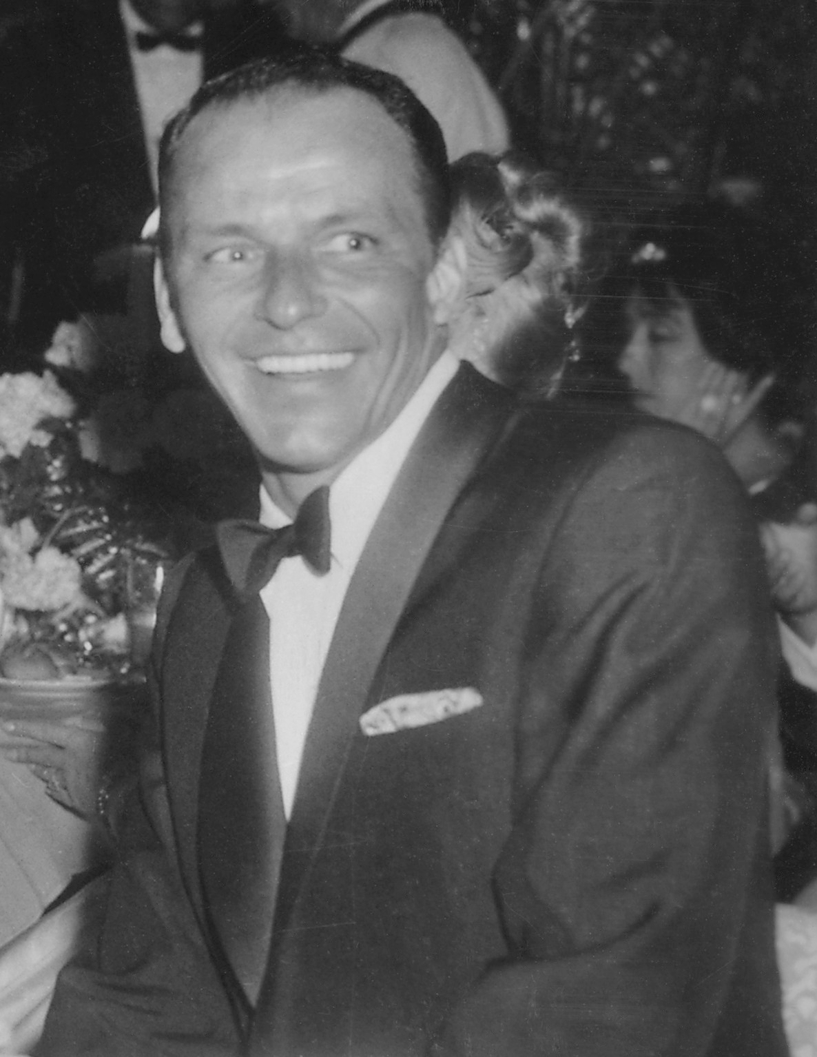 English: Frank Sinatra at Girl's Town Ball in ...