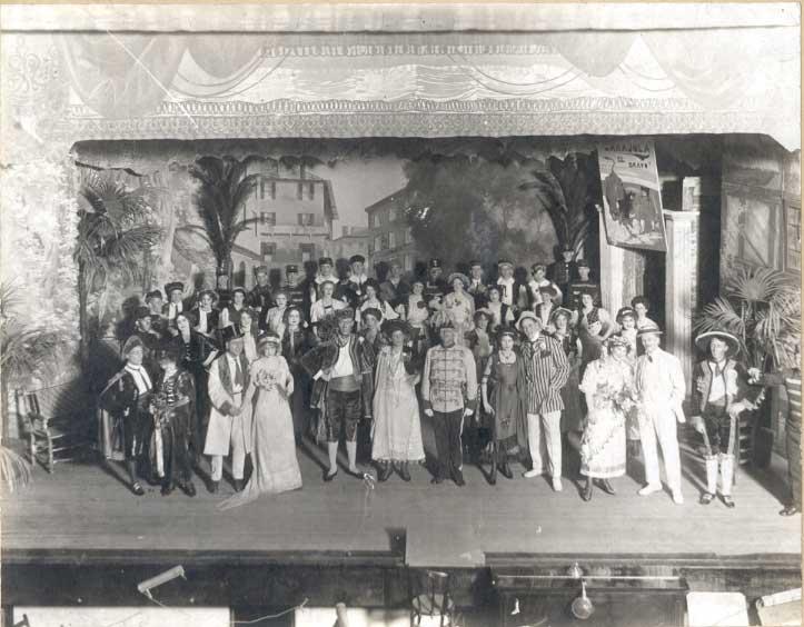 File:Production of the Regina Operatic Society at the Regina Theatre.jpg