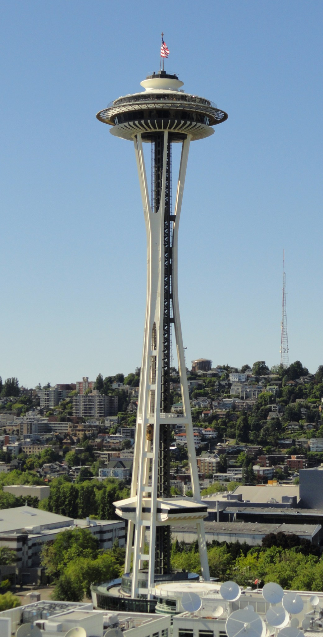 A Contemporary Picture (2003) of the Space Needle.