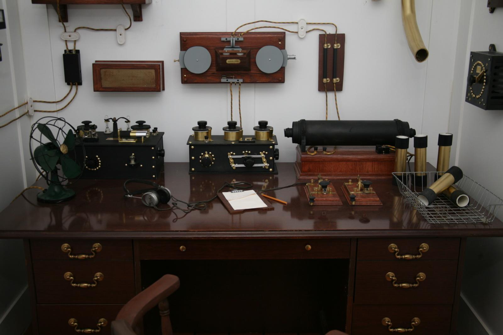 Titanic's Marconi apparatus