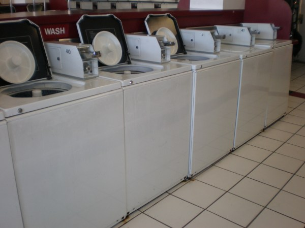 File:GE 2 Speed Commercial Washers.JPG - Wikipedia