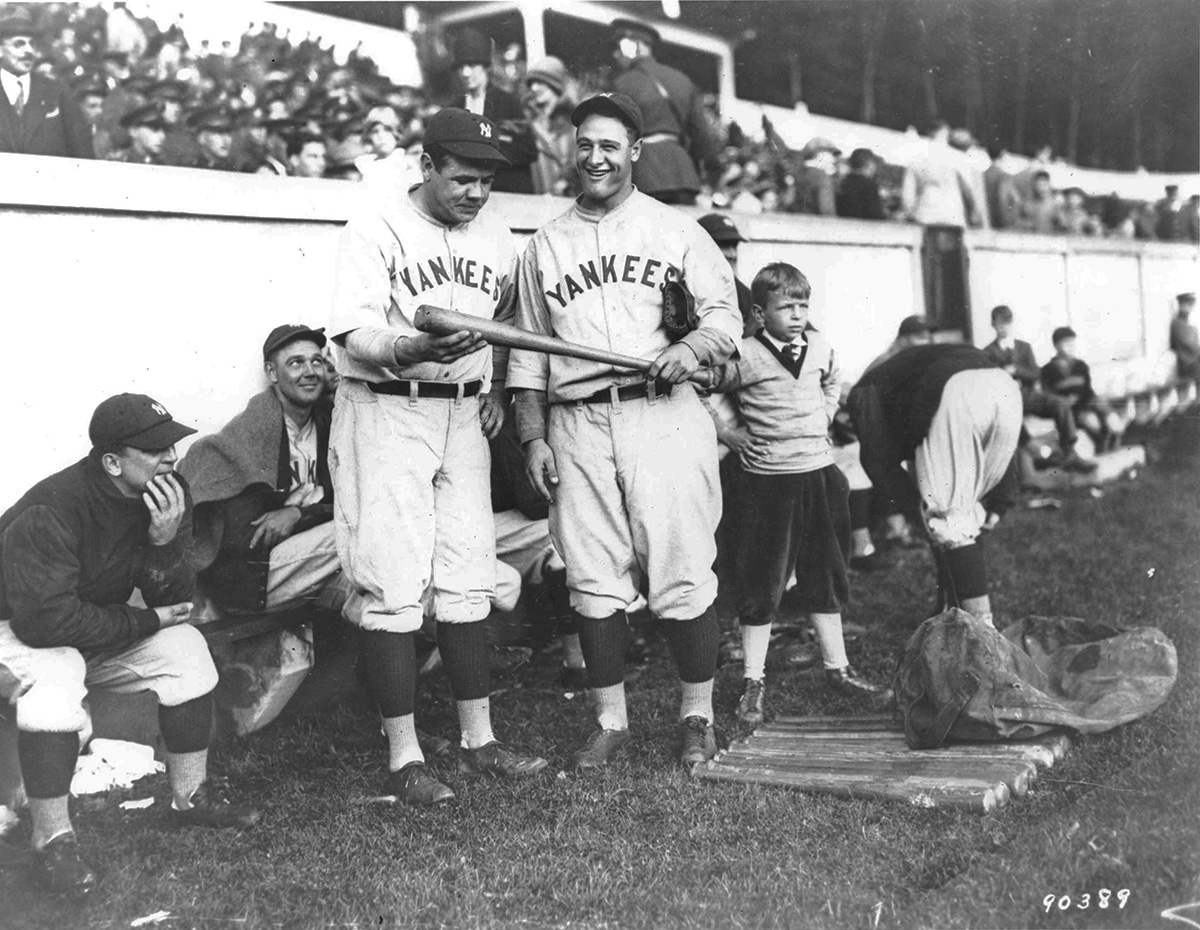 English: Babe Ruth and Lou Gehrig at United St...