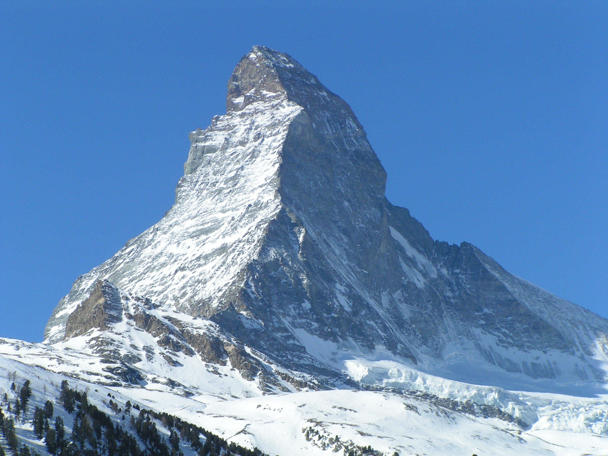 https://i1.wp.com/upload.wikimedia.org/wikipedia/commons/2/26/Matterhorn-EastAndNorthside-viewedFromZermatt_landscapeformat.jpg