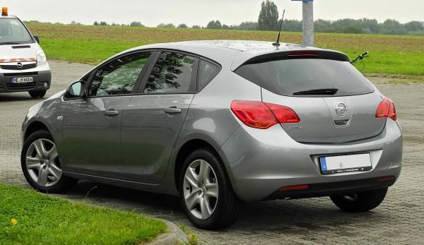 File:Opel Astra Design Edition (J) – Heckansicht, 14 ...
