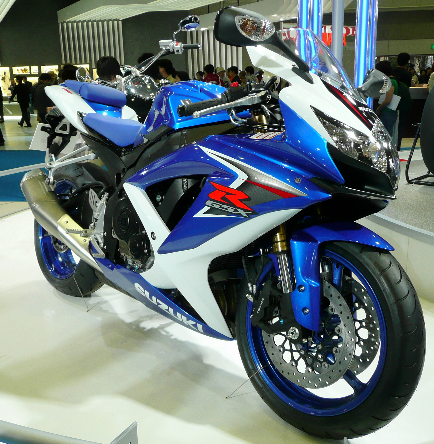 https://i1.wp.com/upload.wikimedia.org/wikipedia/commons/2/2a/2007TMS_Suzuki_GSX-R_600.jpg