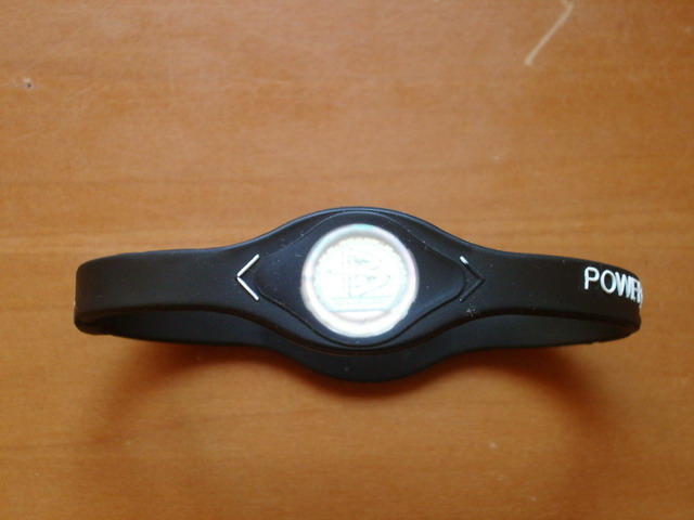 Power Balance bracelet (Quelle: Wikipedia)