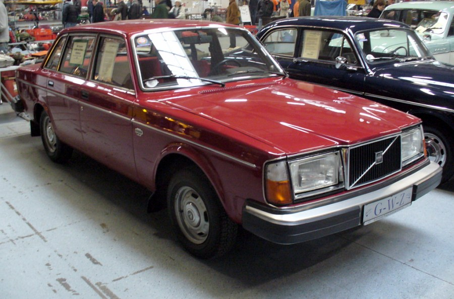 1976 volkswagen cars » Volvo 200 Series   Wikipedia Special editions edit