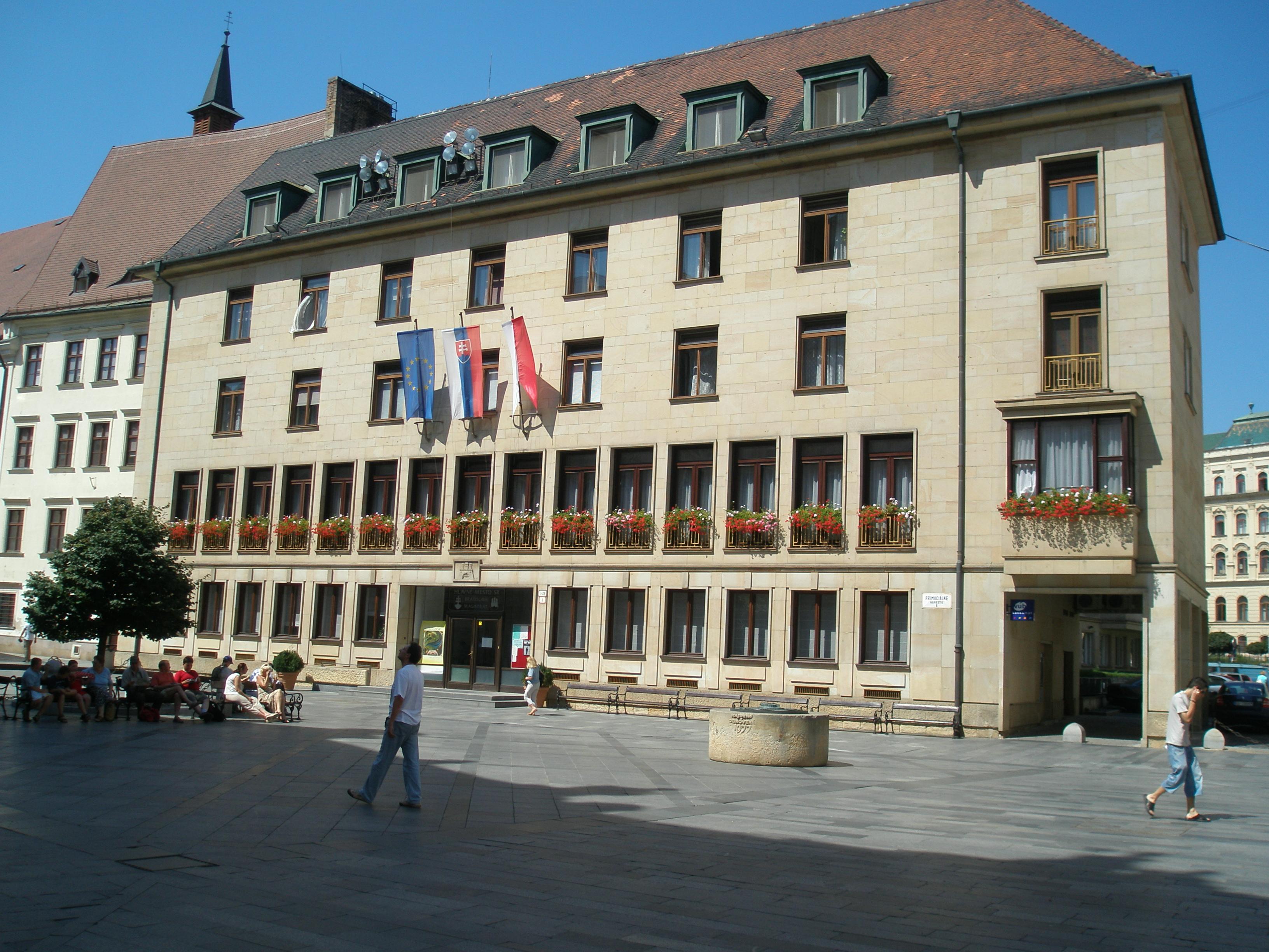 Nuevo Ayuntamiento de Bratislava (en la actualidad Magistratura). Foto: wikipedia eslovaca