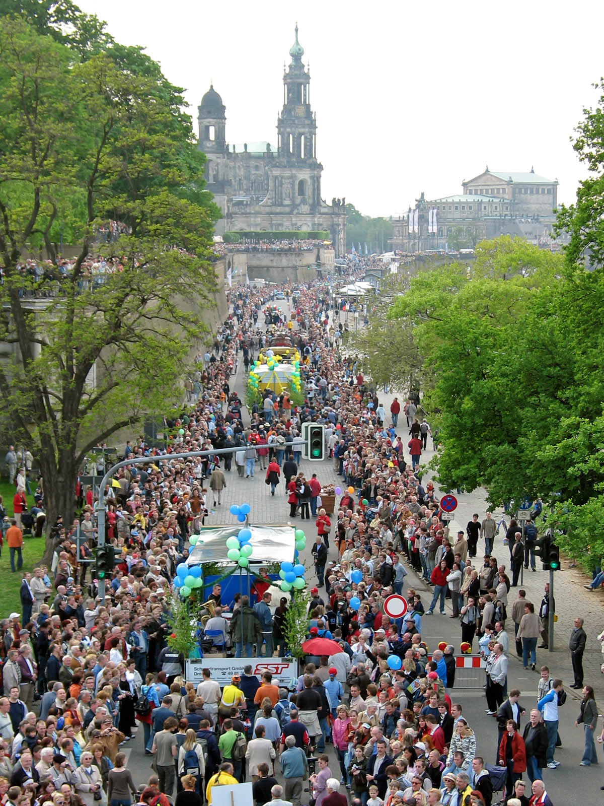 https://i1.wp.com/upload.wikimedia.org/wikipedia/commons/3/31/Dixieland-Festival_Dresden_2006.jpg