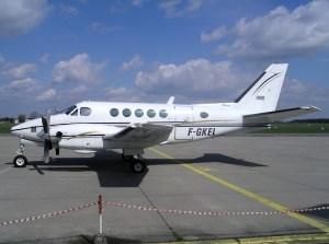 ファイル:Beech A100 King Air, Locavia France AN0819853jpg