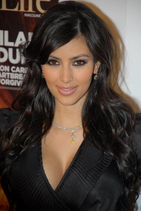 https://i1.wp.com/upload.wikimedia.org/wikipedia/commons/3/32/Kim_Kardashian.jpg