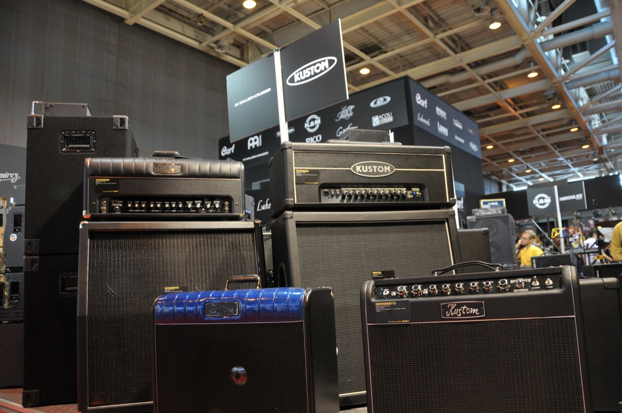 the electric worship guitar amplifier buying guide real world worship. Black Bedroom Furniture Sets. Home Design Ideas
