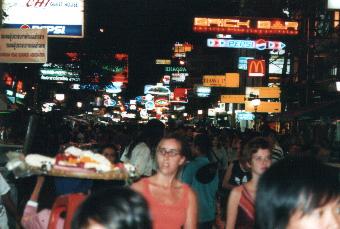 Khaosan Road (Bangkok) at night - From Wikimedia Commons