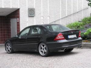 File:MercedesBenz C200 Kompressor W203 (7539598236)jpg