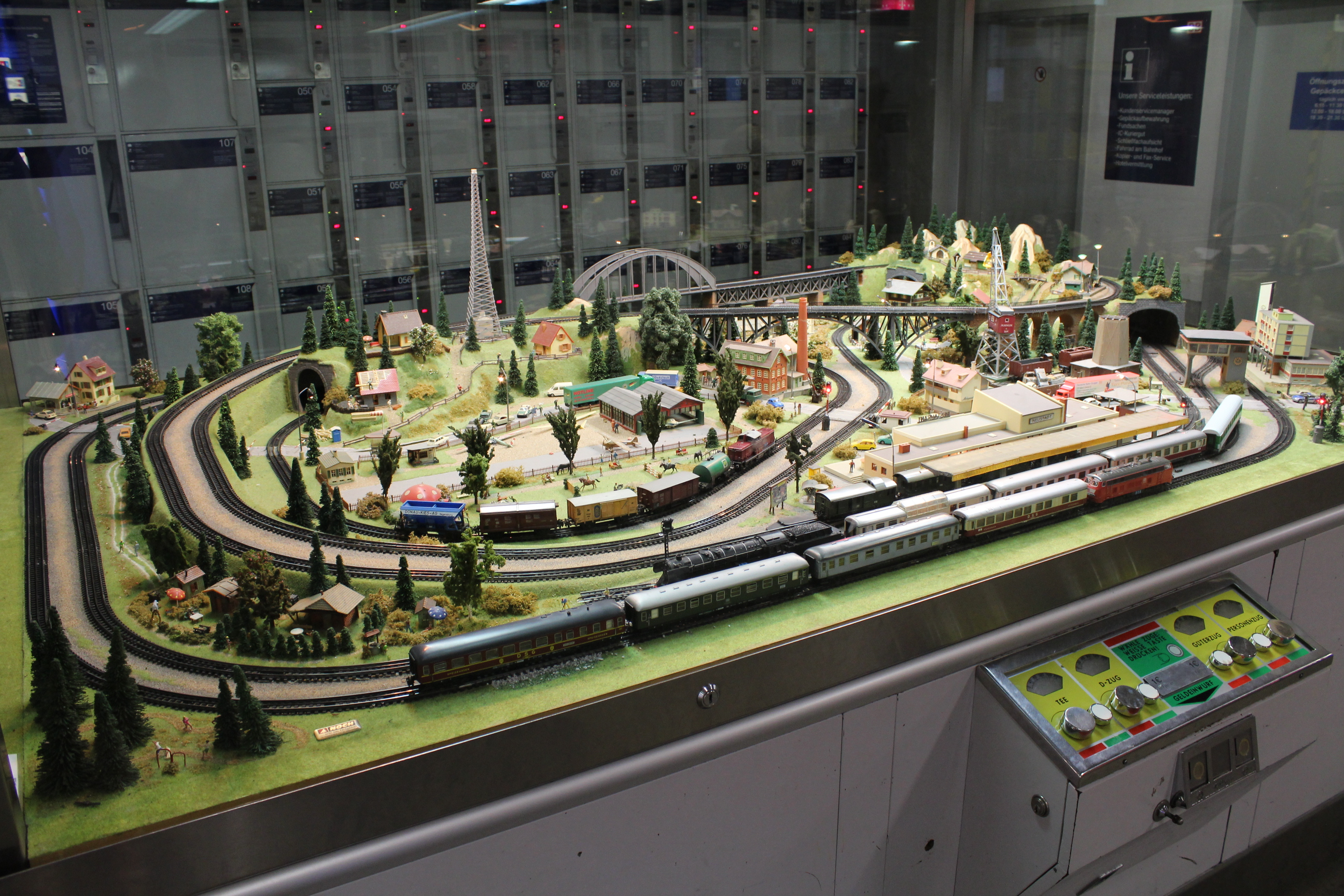 FilModel Railroad Layout Displayed At The Dresden