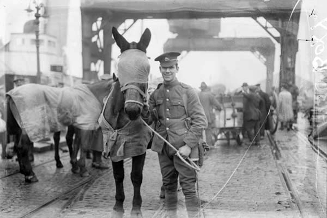 Soldiers of a British cavalry regiment leaving Dublin in 1922.
