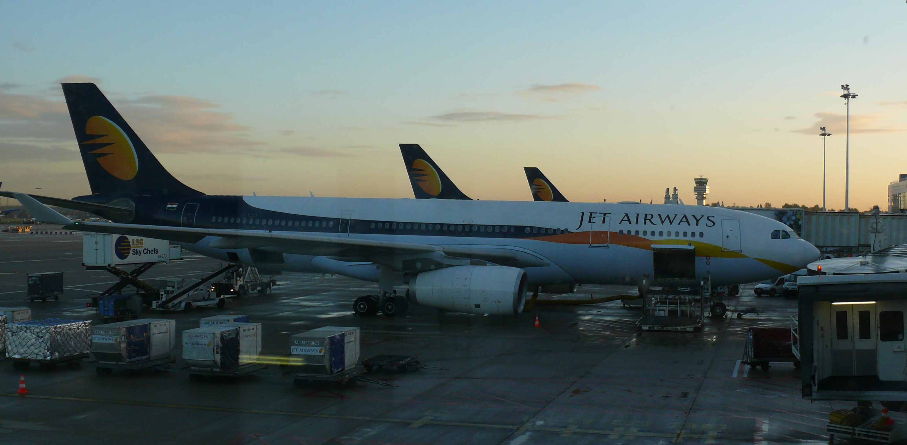 English: Jet Airways Airbus A330-243 VT-JWD at...