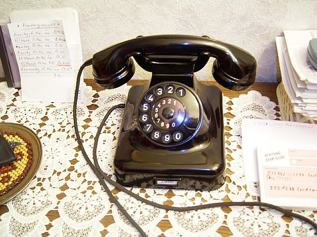 German desk phone W48