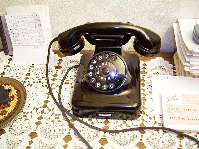 German desk phone W48