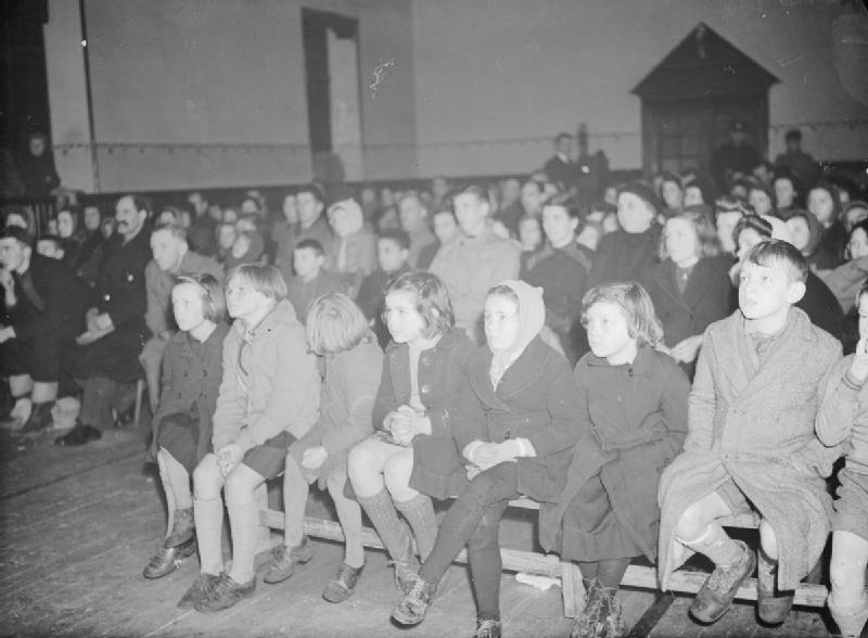 File:Film Show at Highest Village in the Highlands- Ministry of Information Film Screening, Tomintoul, Banffshire, Scotland, UK, 1943 D22626.jpg