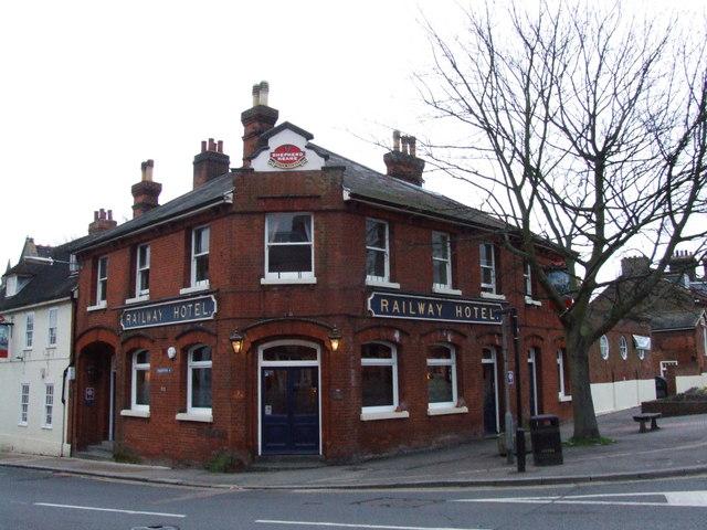 File:Railway Hotel, Faversham