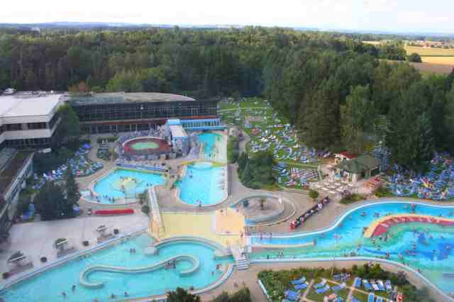 Johannesbad in Bad Füssing has 13 Pools, volcano bath, wave pool, massage- or therapeutic thermal baths and five saunas