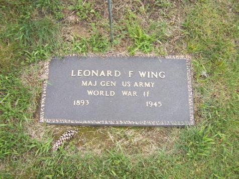 File:Wing grave 2.jpg