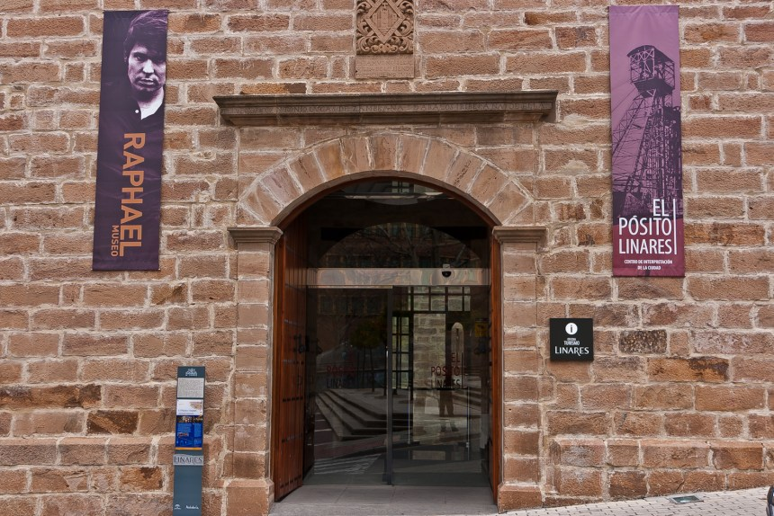 Foto del antiguo Pósito de Linares, rehabilitado como enclave turístico de Linares.