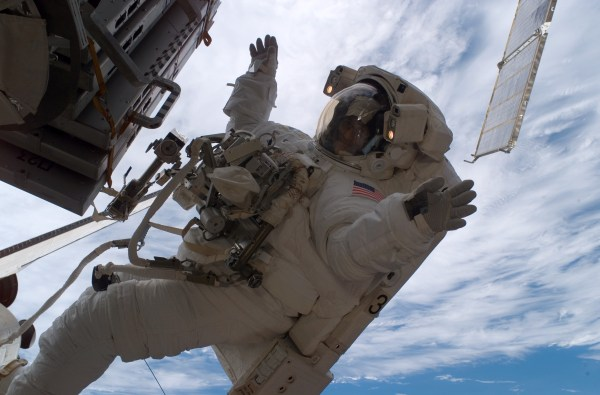File:Sunita Williams astronaut spacewalk.jpg - Wikimedia ...