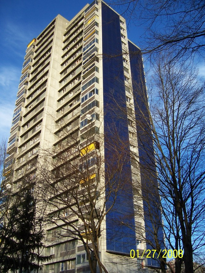 File Apartment Building With Solar Panels Jpg