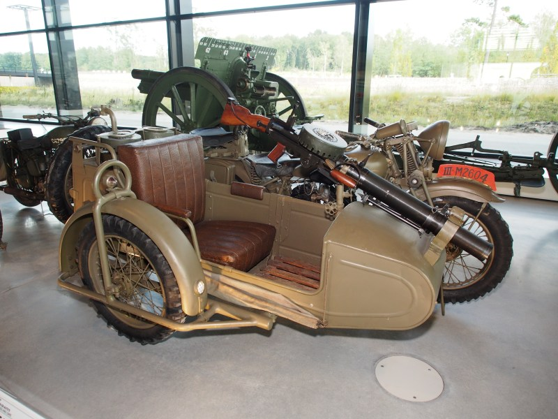 1967 jensen cars » Birmingham Small Arms Company   Wikipedia G14 with sidecar and Lewis gun